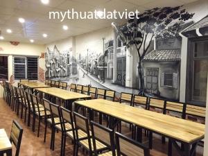 tranh tường quán thịt gà, 81 Phố Bồ Đề, Hà Nội